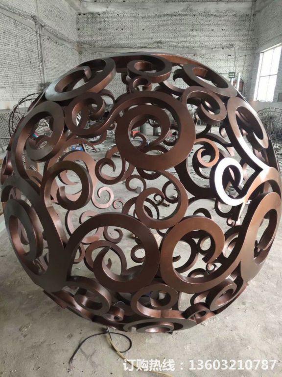 304不锈钢镂空球雕塑1