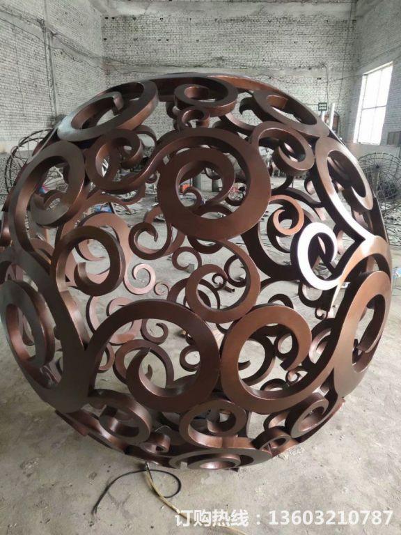 304不锈钢镂空球雕塑