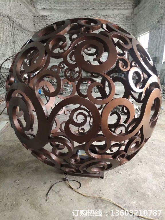 304不锈钢镂空球雕塑5
