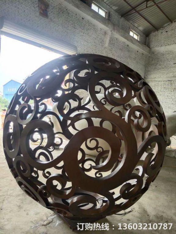 304不锈钢镂空球雕塑9