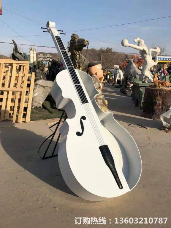 2米高吉他雕塑,不锈钢吉他雕塑,种花吉他雕塑定制